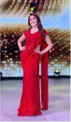 Bollywood Wedding, Saree Wedding, Bridal Sarees, Vintage Bollywood, Fancy Sarees, Party Wear Sarees, Indian Dresses, Indian Outfits, Indian Clothes