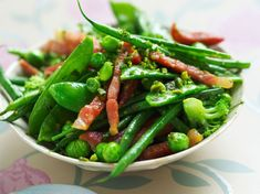 Wok de haricots verts surgelés et petits légumes aux lardons Easy Vegetable Recipes, Healthy Recipes, Healthy Food, Steamed Vegetables, Pasta, Calzone, Seaweed Salad, Stir Fry, Green Beans