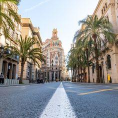 De mooiste foto's van mijn citytrip naar Valencia - Fotografille #valencia #reisfotografie #fotografie Valencia City, Valencia Spain, Places In Spain, Moraira, Spanish Architecture, Travel Around Europe, Majorca, Andalucia, Barcelona