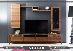 TV ünitesi alırken öncelikle raflı ya da dolaplı ünitelerin size ekstra saklama alanı sağlayacağını unutmayın. Böylece DVD'leriniz, dekoratif süs eşyalarınız, kitaplarınız için hoş bir bölüm oluşturabilirsiniz. Alacağınız mobilya dekorasyondaki diğer mobilyalarla uyum içinde olmalıdır. Salonunuzdaki ahşapların tonu aynı olmayacaksa, bunun yerine tamamen kontrast bir renk seçmeniz daha hoş bir görünüm sağlayacaktır. www.atalarmobilya.com #homedecor #dekorasyon #homestyle #tvünitesi…