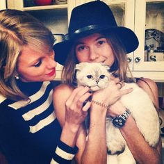 Pin for Later: The Sweetest and Silliest Celebrity Candids From 2014  Behati Prinsloo loved Taylor Swift's cats as much as we do. Source: Instagram user behatiprinsloo