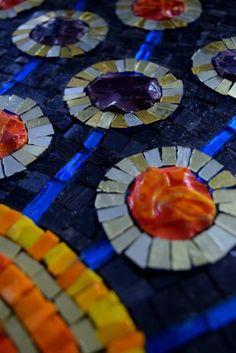 mosaic-exhibition4.jpg 325×487 pixels