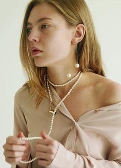 Material: brass, 18k gold plate, swarovski pearl / Size: length 126.5cm