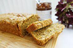 Tip na zdravé raňajky aj pre deti od 1 roka: Mrkvovo-banánový chlieb bez cukru   Fitshaker.sk Banana Bread, Food And Drink, Low Carb, Snacks, Meals, Sweet, Desserts, Detox, Kuchen