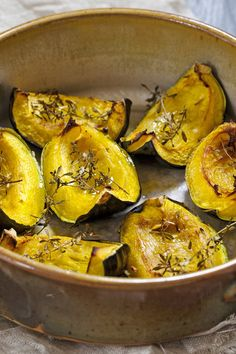 Weight Watchers Roasted Acorn Squash with Thyme Recipe - Vegan, Paleo, and Gluten Free