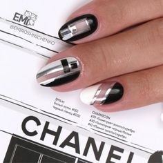 beautiful nail designs nail art themed by fashion style of chanel #chanelstyle #chanelnails #nailart #beautifulnails