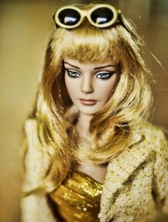 "#pinned ""All Glamour Sydney Chase: All Glamour Sydney Chase  2013  shes a gorgeous wigged beauty, wearing Spring Kissed fashion (FR16 size by Integrity)."" #dollchat ^kv"