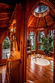 """DIY Tree House Ideas & How To Build A Treehouse (For Your Inspiration) Suzanne Dege's """"Hobbit Treehouse."""" Originally built by the legendary natural builder, SunRay Kelley. Located on Orcas Island in Washington State. Orcas Island, Forest House, House Goals, Log Homes, My Dream Home, Future House, Tiny House, Beautiful Homes, Architecture Design"""