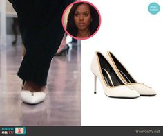 Olivia's white pumps with gold zips on Scandal.  Outfit Details: https://wornontv.net/80223/ #Scandal