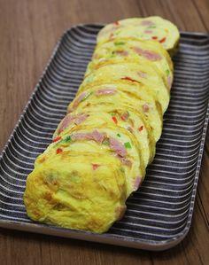 KBS 생생정보통에서 계란말이를 잘 만드는 방법이 나온 적이 있는데요. 정말 촉촉하고 맛있게 만드는 팁을 알려주더라고요! 그래서 한번 따라해 봤습니다. 생생정보통 황금 레시피에 나온 그대로! 황금 비법 알려..