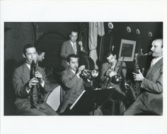 The Summa Cum Laude band — led in part by Bud Freeman, arrangements by valve-trombonist Brad Gowans — performing at Nick's in December 1938