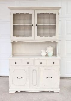 this website is called Vintage Farm Furniture & i'm obsessed with everything they make. it's a husband & wife team in Idaho who upcycle lots of furniture & have amazing vintage finds. Love love love this hutch!