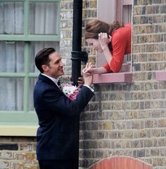 Tommy as Ronald Kray / Reginald Kray & Emily Browning - Legend (2015) / TH0083