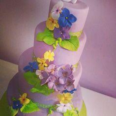Violet cake www.lallabycakes.blogspot.it