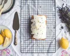 Cronut inventor chef Dominique Ansel, shares the classic French yogurt cake recipe Food Cakes, Chefs, French Yogurt Cake, New Recipes, Cake Recipes, Food Business Ideas, Dominique Ansel, Cronut, Michelin Star