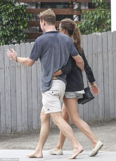 Michael Fassbender joins new beau Alicia Vikander for barefoot stroll Anthony B, Michael Fassbender And Alicia Vikander, Swedish Actresses, Hollywood Couples, Going Barefoot, My Future Boyfriend, New Girlfriend, Famous Couples, Lucky Girl