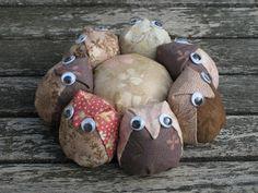 What's better than an owl pincushion? An owl family, of course! Simone de Klerk