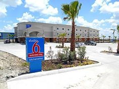 Studio 6 Kenedy - 3 Star #Hotel - $142 - #Hotels #UnitedStatesofAmerica #Kenedy http://www.justigo.club/hotels/united-states-of-america/kenedy/studio-6-kenedy_100796.html