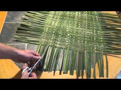 How to Make a Woven Cattail Mat - Use for rugs, great insulator.