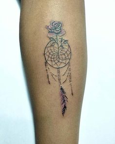 Protect yourself from bad dreams and spirits with these amazing dream catcher tattoo ideas! We love these tattoos and have found 43 trendy designs. Dainty Tattoos, Wrist Tattoos, Pretty Tattoos, Body Art Tattoos, Small Tattoos, Sleeve Tattoos, Tattos, Sunflower Tattoo Shoulder, Sunflower Tattoo Small