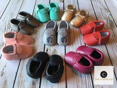 Add a monogram to these baby moccasins for the perfect personalized baby gift. They are the perfect addition to your personalized bodysuit! Save on shipping and add on a personalize bodysuit. US 1: 3 to 6 Months-4.33 US 2: 6 to 12 Months- 4.72 US 3: 12 to 18 Months- 5.12   If you purchase the shoes without a monogram or design they will ship with in 1-3 business days. If you add a design then they will go out 3-5 business days.