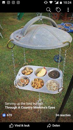 Repurposed / Upcycled Hillbilly Bird Feeders I created these and one other one recently for a Birds & Blooms magazine DIY feature. It was to provide a solution for really inexpensive bird feeder construction at home. I used by graciela