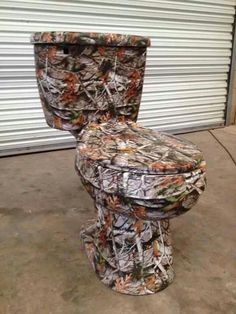 camo toilet great for a man cave Camo Bathroom, Man Cave Bathroom, Bathroom Ideas, Basement Bathroom, Men's Bathroom, Shared Bathroom, Upstairs Bedroom, Bathroom Goals, Master Bedroom