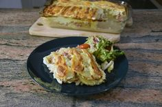 Recipe of a Tartiflette: a lovely potato bake with pancetta, onions, cream and a french cheese called Reblochon. It is perfect for a winter dinner. Other Recipes, My Recipes, Pistolettes Recipe, French Cheese, Oven Dishes, Cooking For Two, Cabbage Recipes, Meatloaf Recipes, Sandwich Recipes
