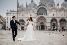 Sesja ślubna w Wenecji na placu św. Marka Film, Wedding Dresses, Fashion, Fotografia, Movie, Bride Dresses, Moda, Bridal Gowns, Film Stock