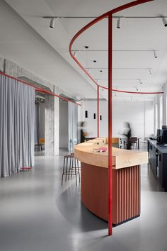 FRAME | How to maximize your success during the Frame Awards 2021 competition Office Interior Design, Office Interiors, Corporate Interiors, Best Smart Home, Old Post Office, Small Office, Co Working, Coworking Space, Interiores Design