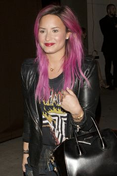 Demi Lovato Is Pretty in Pink—Literally! See Her New Fuchsia Hair