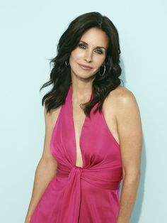 Rising Star: Hollywood Celebs Who Have Benefited From Cosmetic Surgery Birmingham, Courtney Cox, Ross Geller, Celebrity Singers, James White, Gorgeous Body, Female Actresses, Friends Tv Show, Beautiful Actresses