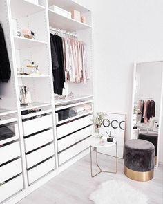 52 Trendy home organization ideas closet bedrooms Walk In Closet Design, Closet Designs, Best Closet Organization, Organization Ideas, Organizing Tips, Decor Room, Bedroom Decor, Home Decor, Bedroom Ideas
