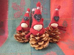 Pine Cone Christmas Tree Decorations   Holiday Day, Holiday Crafts, Christmas Holidays, Christmas Ideas, Merry Christmas, Xmas, Christmas Ornaments, Holiday Decor, Pine Cone Christmas Decorations