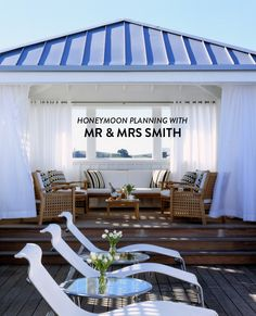 There are so many details that come with planning a wedding, and truth be told, sometimes putting together your dream honeymoon falls to the wayside. Well, not anymore, my dears, thanks tohoneymoon planners + boutique travel experts,Mr & Mrs Smith. And today, we've teamed up with themto sharesome seriously amazing tips for last minute late…
