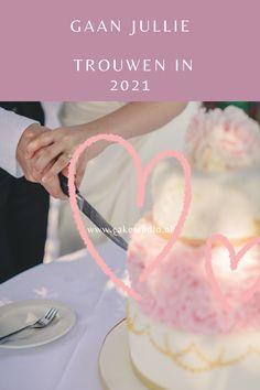 Gaan jullie trouwen in 2021 en zijn jullie nog op zoek naar een fantastische Bruidstaart die zowel van binnen als van buiten mooi is en heerlijk smaakt? Ik maak met veel liefde jullie mooiste dag nog mooier en onvergetelijker. Voor een bruidstaart op maat geheel bij jullie passend. Vraag meer informatie of de info brochure aan bij www.cakestudio.nl Veel plezier bij alle voorbereidingen!! Vanilla Cake, Desserts, Vintage, Food, Tailgate Desserts, Deserts, Essen, Postres, Meals