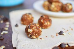 No-Bake Double Chocolate Crunch Peanut Butter Snack Bites (vegan) | get the kids in the kitchen - these tasty bites are easy to make, healthy and delicious - putting them together is a great activity to keep kids' busy #family #desserts #snacks #bites #recipe