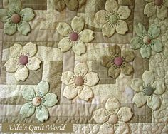 A sweet subtle quilt from Ulla's Quilt World: Quilt blanket - Japanese flowers
