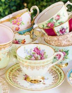 Anciennes tasses de thé ... / Elsie