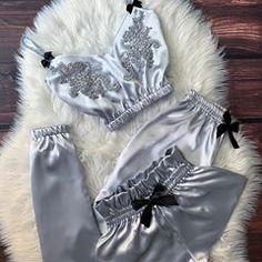 Lingerie Bonita, Jolie Lingerie, Lingerie Outfits, Pretty Lingerie, Lingerie Set, Women Lingerie, Cute Sleepwear, Sleepwear Women, Pajamas Women