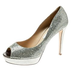 Get the must-have pumps of this season! These Jimmy Choo Metallic Gold Lamè Fabric Dahlia Peep Toe Platform Pumps Size US Regular (M, B) are a top 10 member favorite on Tradesy. Pink Pumps, Satin Pumps, Metallic Heels, Metallic Leather, Metallic Gold, Peep Toe Platform, Peep Toe Pumps, Lame Fabric, Round Metal Sunglasses