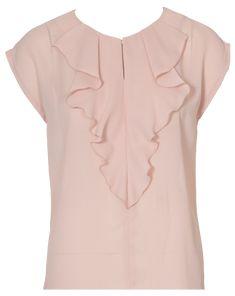 burda style, nähen, Schnittmuster - Ganz schön vornehm wirkt die puderfarbene, gerade geschnittene Bluse mit Volant.
