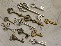 36 skeleton key Steampunk vintage retro old inspired wedding favor antique bronze silver jewelry supply metal assorted charms replica keys