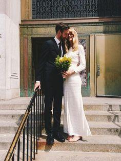 Ist eigentlich noch irgendein Model auf dem Single-Markt? Auch das deutsche It-Model Julia Stegner heiratete ihren australischen Fotorafen-Freund Benny Horne letztes Jahr in New York in einem weißen, langärmeligen Bohokleid von Isabel Marant.