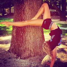 The Fitspo Girl strength and flexibility
