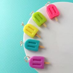 Choose Your Flavor Popsicle Necklace Pendant - Handmade Polymer Clay Mini Food Dessert Candy Jewelry - Summer Accessories by TheLollipopStop on Etsy Polymer Clay Projects, Polymer Clay Creations, Handmade Polymer Clay, Clay Crafts, Polymer Clay Kawaii, Polymer Clay Charms, Polymer Clay Jewelry, Crea Fimo, Diy Clay Earrings