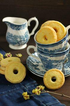E dopo tutti i vari panettoni, pandori e tutto quello che si è mangiato a natale c'è ancora un piccolo spazio per un biscotto semplice...
