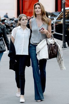 www.momolo.com #momolo #fashionkids #modainfantil Cindy Crawford is a gorgeous model mom