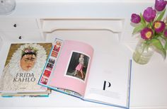 Coffee Table Books und Tulpen #interior #love #coffeetable