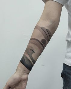 Abstract tattoos are for those who don't want a traditional style tat. Check out our collection of abstract tattoo ideas. Unique Forearm Tattoos, Inner Forearm Tattoo, Cool Forearm Tattoos, Arm Band Tattoo, Cool Tattoos, Line Tattoos, Black Tattoos, Sleeve Tattoos, Tattoos For Guys